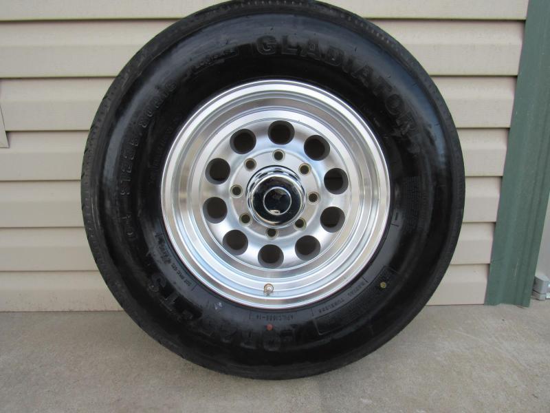 Tire ST235/80R16/8 Hole/10P Aluminum