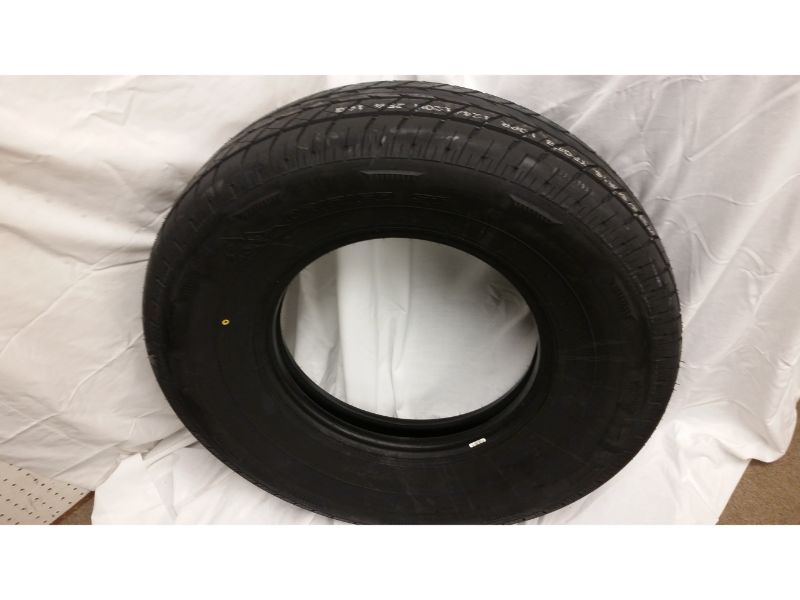 ST235/85/R16 Raineer Radial Tire Only