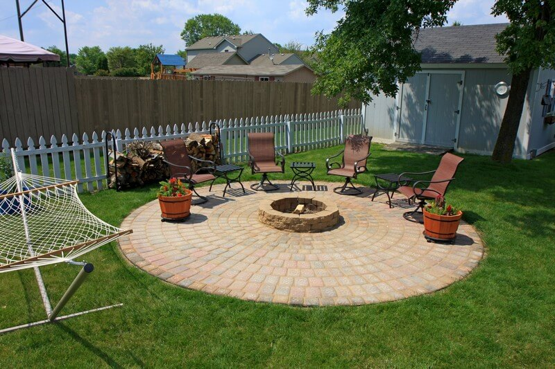 17 backyard diy fire pit ideas that will quickly impress for Diy landscape design