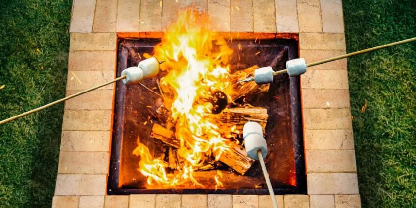17 backyard diy fire pit ideas that will quickly impress for How to make a square fire pit