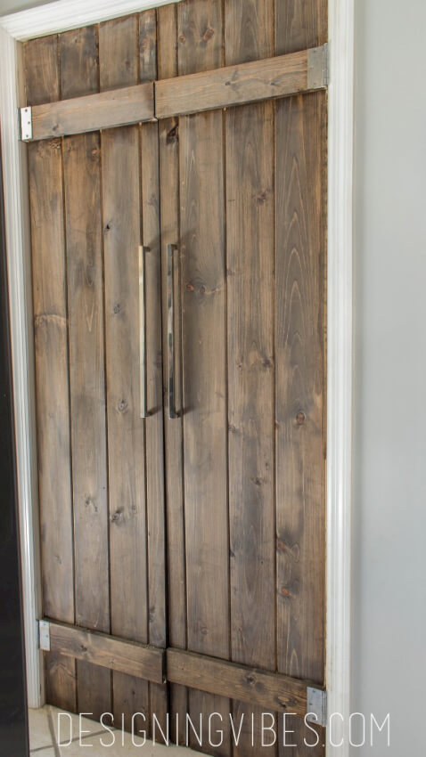 23 diy modern barn doors a perfect marriage of function for Narrow barn door