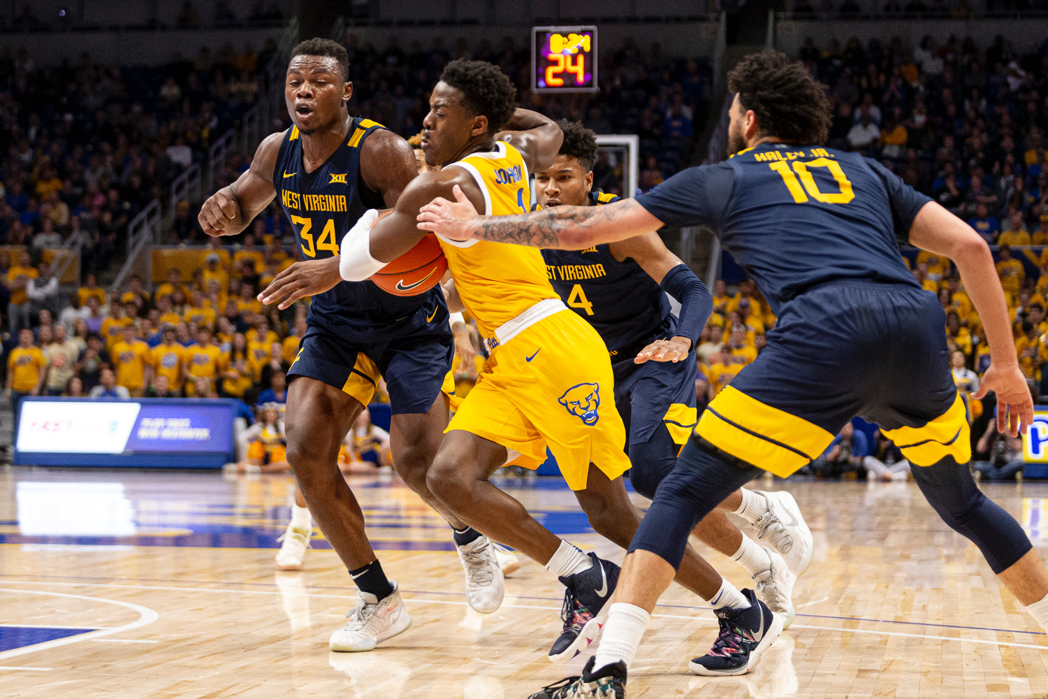 Xavier-Johnson-pitt-panthers-west-virginia-mountaineers-backyard-brawl