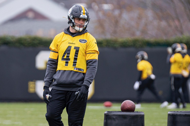Robert-Spillane-Pittsburgh-Steelers-defense-practice