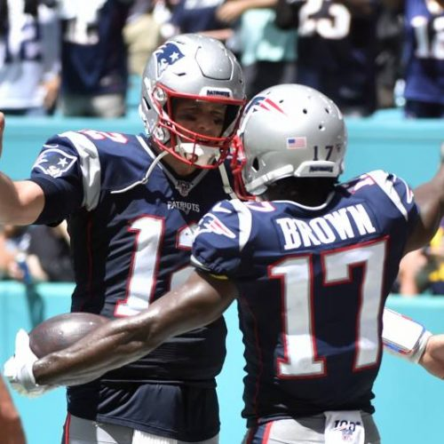 Tom-Brady-Antonio-Brown-hug-patriots-getty