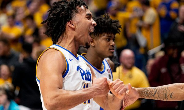 justin-champagnie-pitt-panthers-yell-florida-state-freshman-basketball
