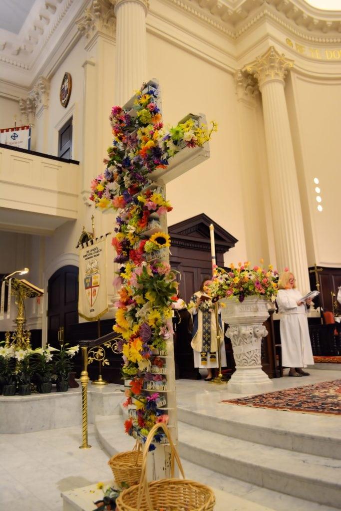 flowered Easter cross