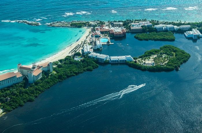 Los paisajes de Cancún desde el aire.