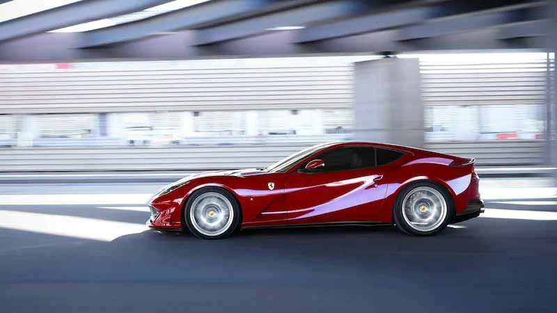 Ferrari 812 Superfast 5