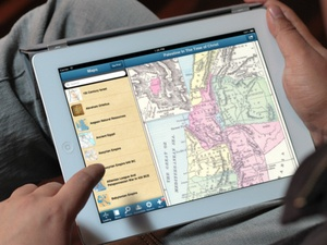Screenshot 112 Bible Maps with 65 Bibles and Commentaries on iPad