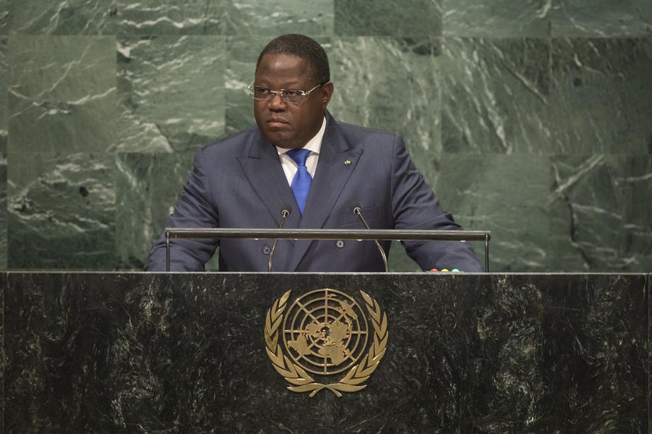 S.E. M.Emmanuel Issoze-Ngondet