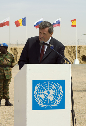 USG for Peacekeeping Operations Addresses Hand-over Ceremony