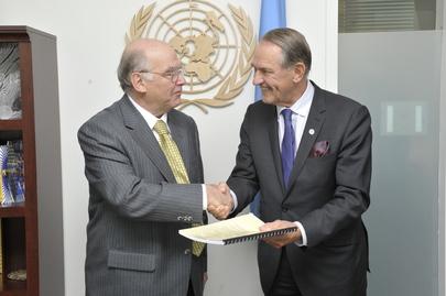 Deputy Secretary-General Meets Chairman of Hammarskjöld Inquiry Trust