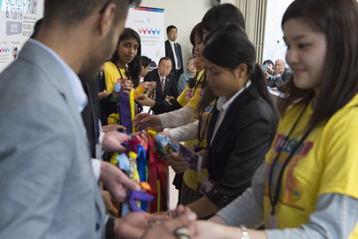 Secretary-General Meets Students at Youth Forum in Tohoku University