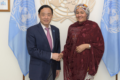 Deputy Secretary-General Meets Director-General of Food and Agriculture Organization