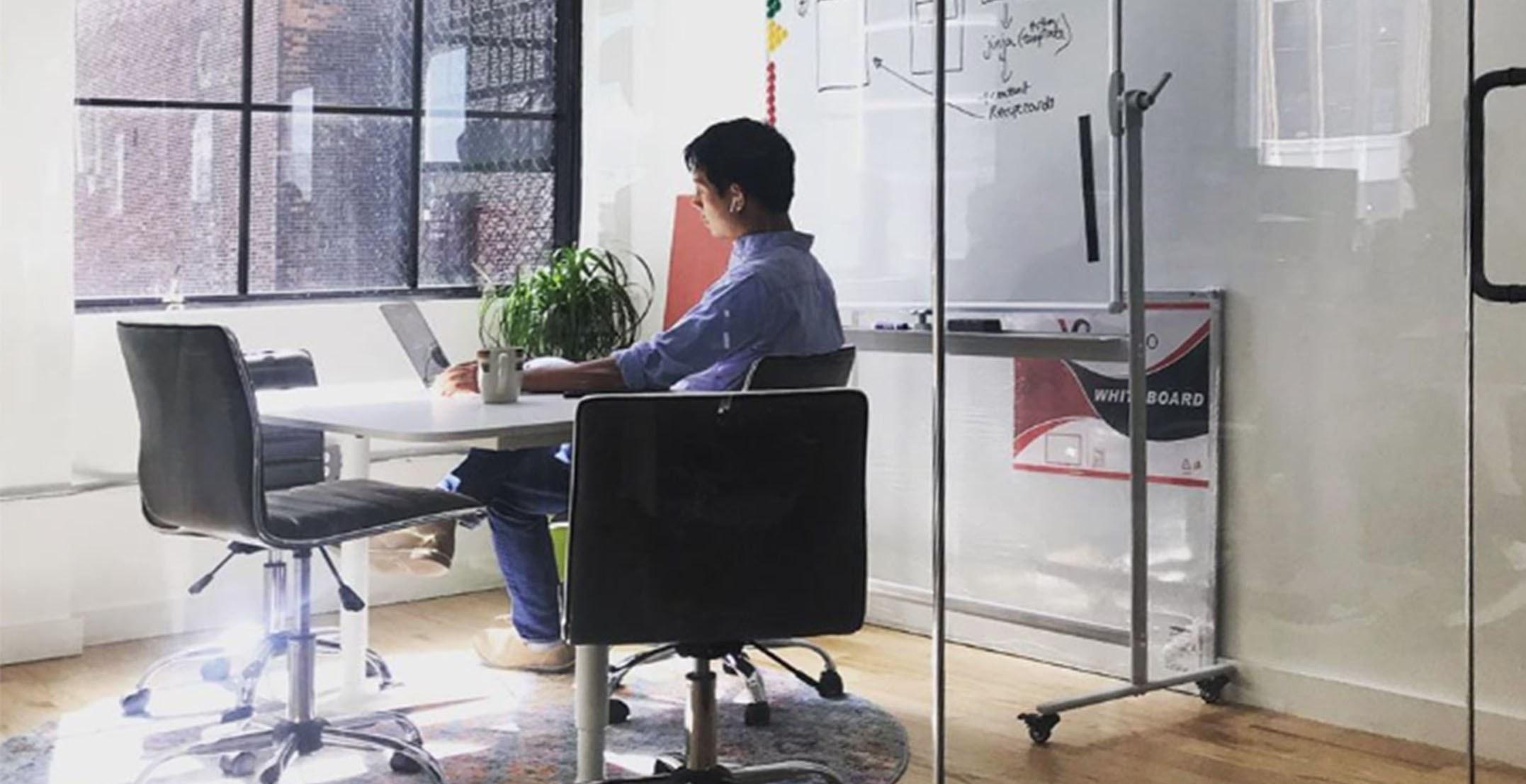 propel-jimmy-office.jpg#asset:91738