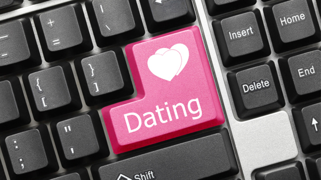 What Your Online Dating Profile Is Secretly Saying to Men...