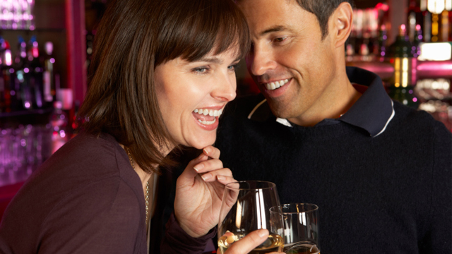 Body Language…How to Tell if She is Into You