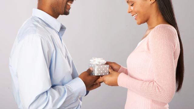 6 Gifts Every Girlfriend Secretly Wants