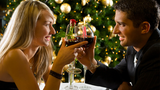 Dos and Don'ts of Dating During the Holidays