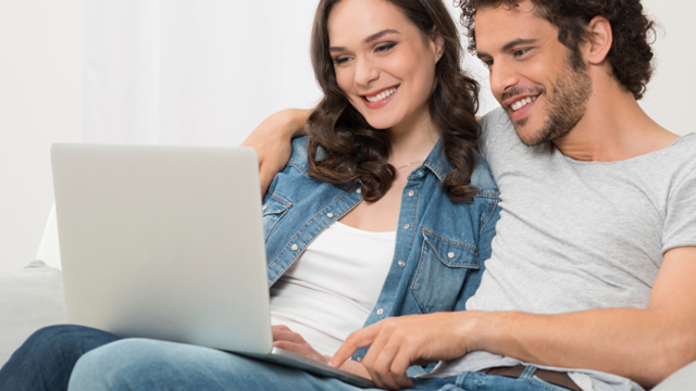 When to Change Your Facebook Relationship Status & How to Stop Scaring Him Off