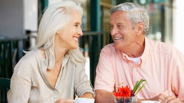 9 First Date Questions for Seniors to Break the Ice and Make Time Fly