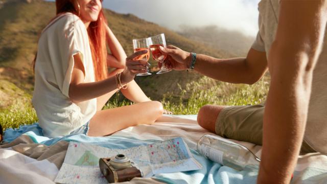 17 Fun Date Ideas that Won't Break the Bank