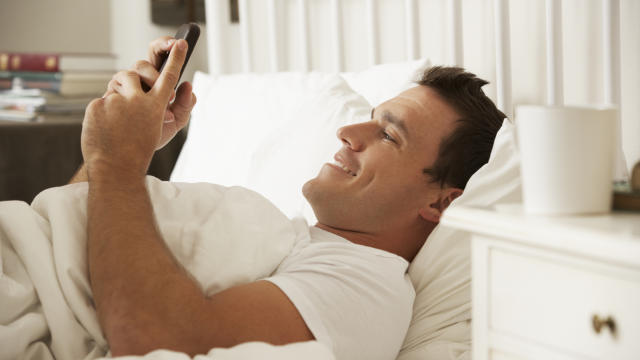 7 Powerful Ways to Text Flirt With Women (Part 1 of 3)