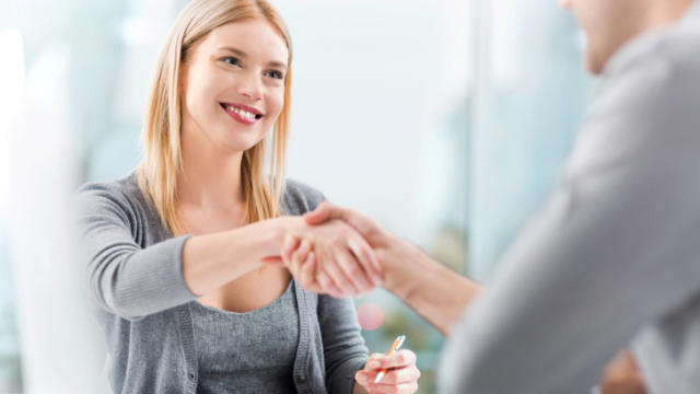 3 Ways a First Date SHOULD Be Like a Job Interview