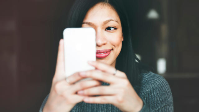 7 Powerful Ways to Text Flirt With Women (Part 2 of 3)