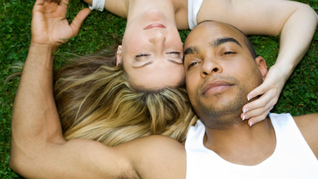 Top 5 Interracial Dating Do's & Don'ts