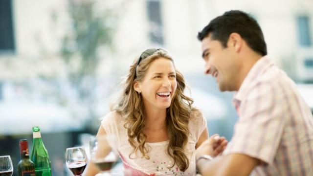 First Date Victory! 3 Ways to Overcome Your Anxiety & Keep Him Engaged