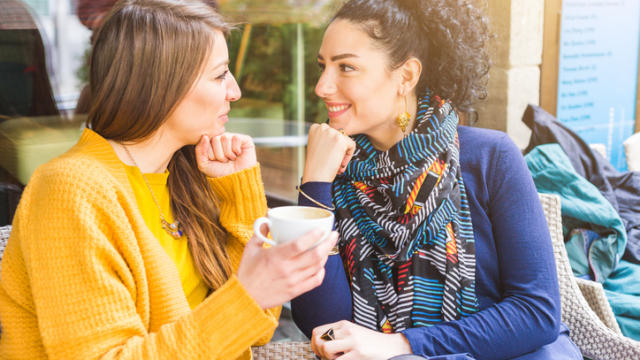 3 Luxuries of Being Feminine Women in a Same-Sex Relationship