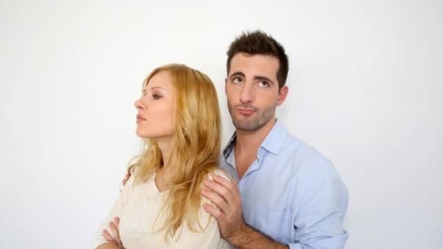 5 Warning Signs He Is Losing Interest in You