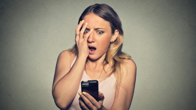 4 Texting Mistakes That Keep You Single