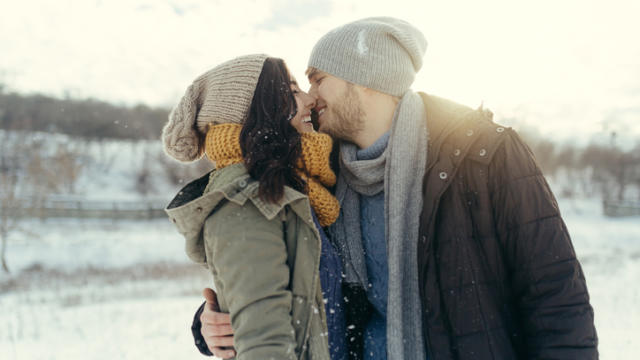 6 Fun Holiday Dating Tips for Busy People
