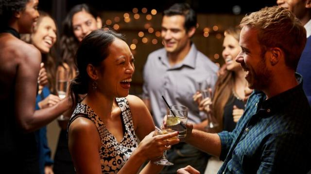 How to WIN at Dating During the Holidays