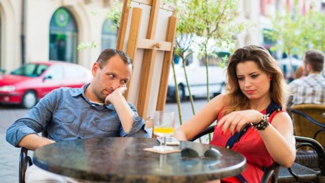 Want a Second Date? Avoid These 8 Low Class Dating Behaviors!