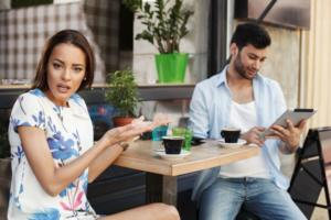 5 Important Things to Avoid on a First Date