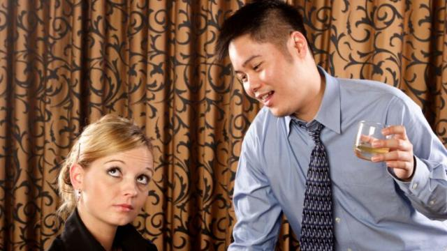 3 Simple Ways to Turn Down Unwanted Dates