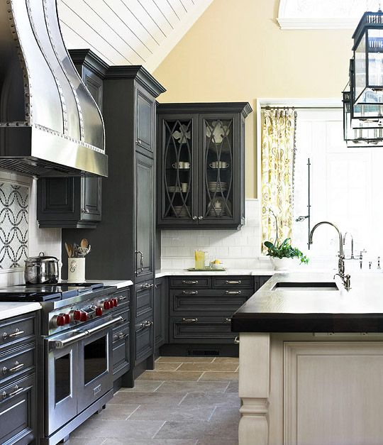 Chic Black Kitchen Cabinets3