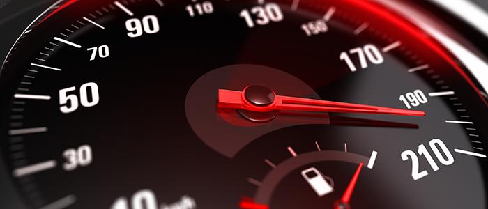 Velocidad vial excesiva: Una conducta nociva.