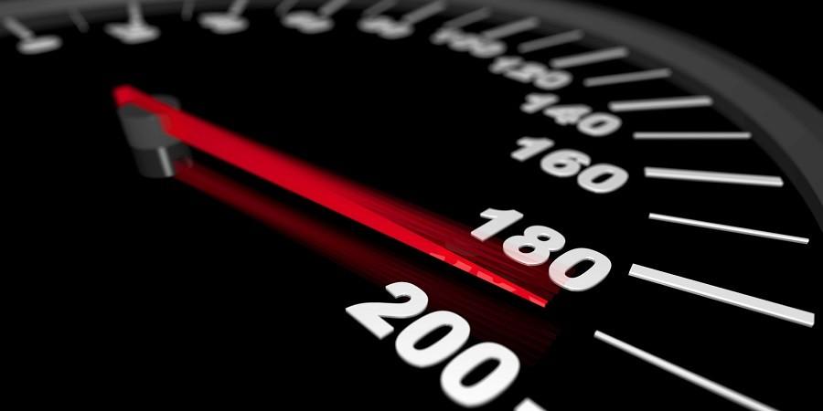 La importancia de regular la velocidad al conducir: ¿Por qué se quiere reducir la velocidad máxima urbana a 50 km/h?