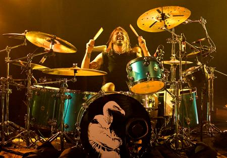 » Dave Grohl Pictures | Famous Drummers