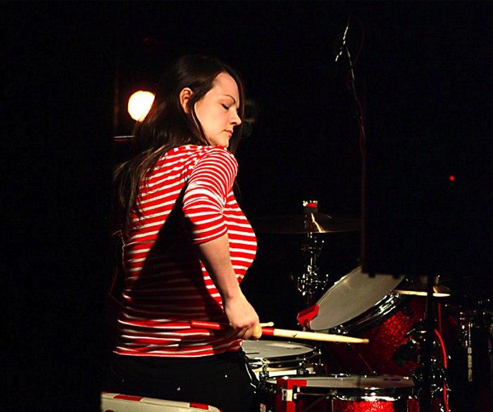 » Meg White Pictures | Famous Drummers