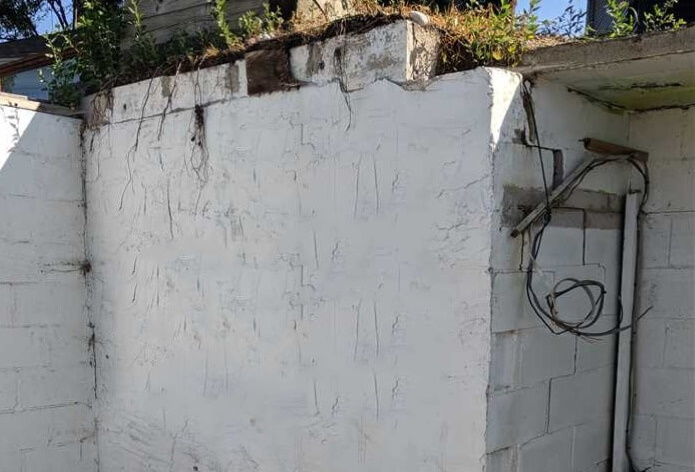 Collapsing Retaining Wall
