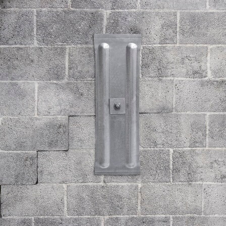 wall anchor system working