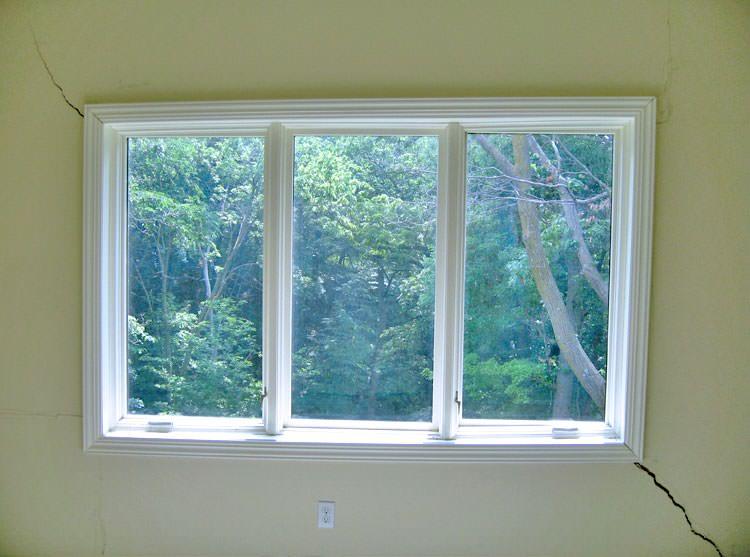 symptoms of sticking windows