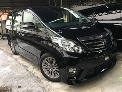 Toyota Alphard Type Gold Sunroof