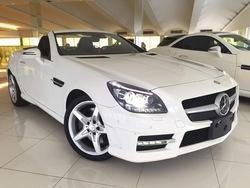 Mercedes-Benz SLK 200 AMG Magic Roof