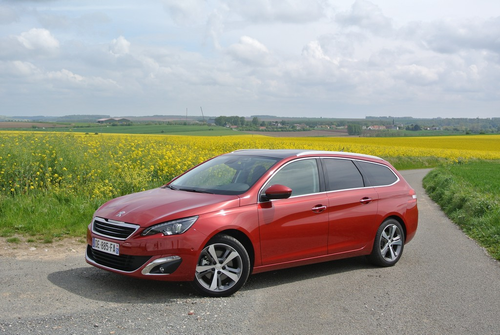 Peugeot 308&308SW Drive in France_2014_Hong Boon How (10)